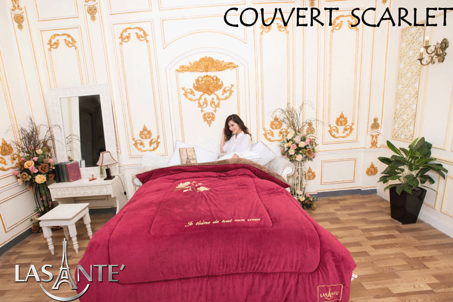 Couvertures Scarlet - Rouge